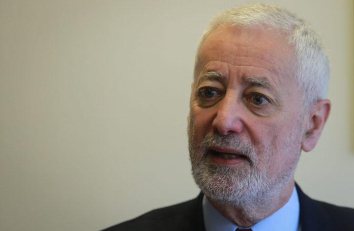 O embaixador da UNESCO e antigo reitor da Universidade de Lisboa, António Sampaio da Nóvoa, discorda do fim das propinas e considera que não se deve