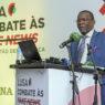 O presidente do Conselho Superior de Comunicação Social de Moçambique (CSCS), Tomás Vieira Mário, intervém durante a conferência