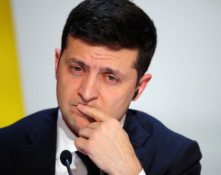 epa08058414 Ukraine's President Volodymyr Zelenskiy attends a joint news conference after a Normandy-format summit in Paris, France, 09 December 2019. The Normandy format was created in 2014 to resolve the conflict between Kiev and the breakaway republics in Ukraine's east.  EPA/CHARLES PLATIAU / POOL  MAXPPP OUT